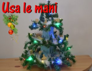 albero di natale con villaggio